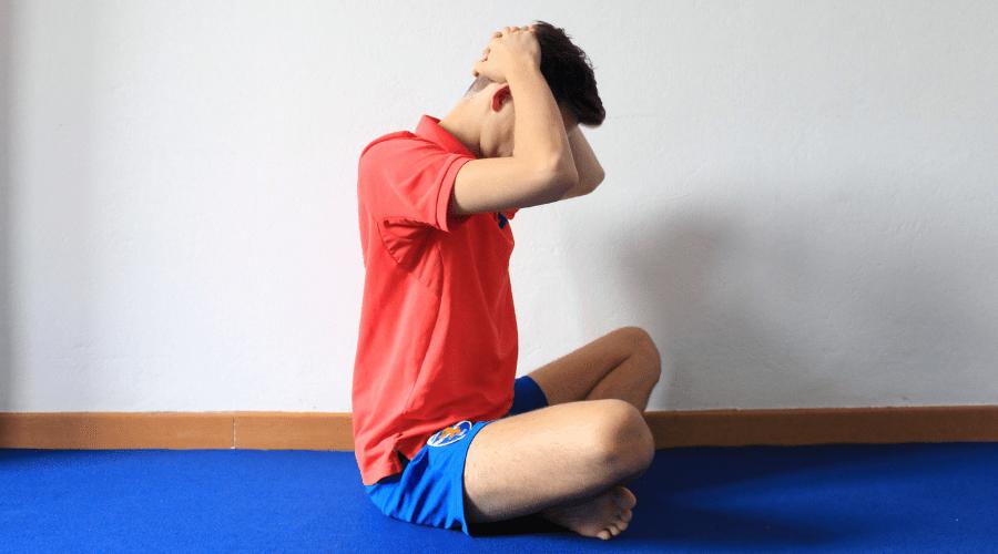 Esercizi per il collo rigido e dolore ai muscoli cervicali